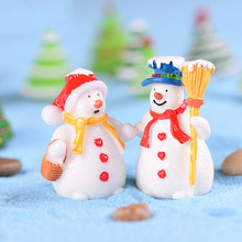 Christmas Hat Snowman Fence Door Cow Miniature Figurine Home Decoration Cartoon Statue Bonsai Ornaments Resin(China)