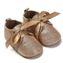 Baba cipő Anti Slip Lágy Sole Baby Lányok Cipők Újszülött Riband Csipke Gyerekek Sequin Cipő Prewalker Első Walker Arany Rózsaszín Ezüst
