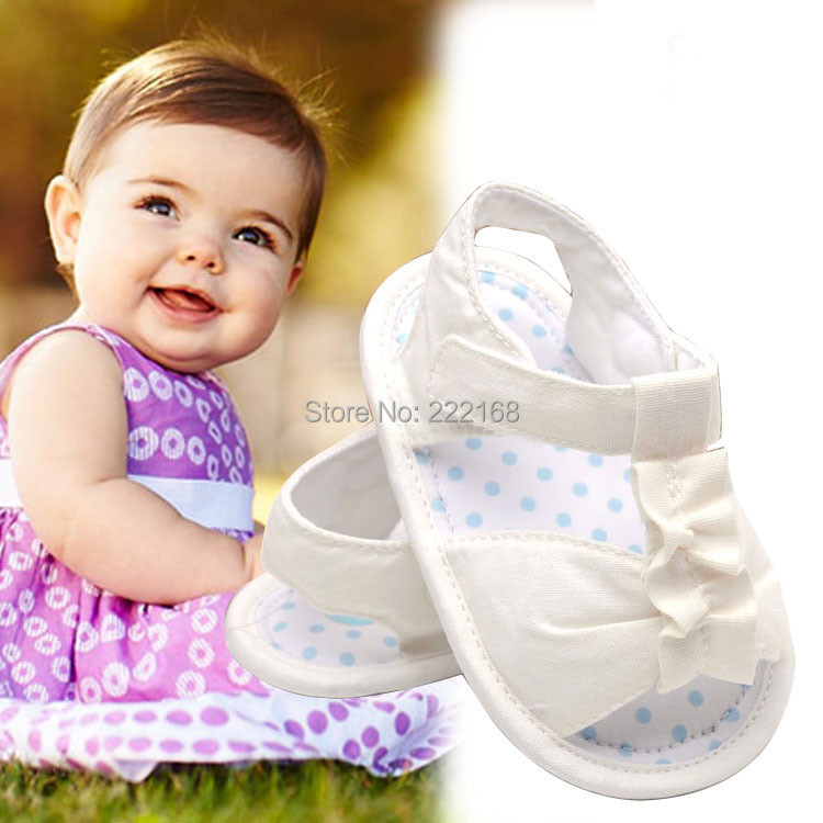 2018 Summer Style Baby Girls Barefoot Shoes Soft White Color Baby Toddler Shoes Indoor Slippers