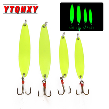 цена на YTQHXY 1Pcs Metal Spinner Sequins Spoon Fishing Lure Luminous Isca Hard Bait Paillette with Feather Treble Hook Tackle WQ473