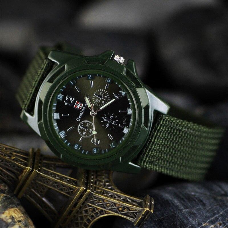 Даже за хорошие российские мужские часы можно выложить несколько тысяч долларов, например, если модель изготовлена из драгоценных металлов или выполнена под заказ.