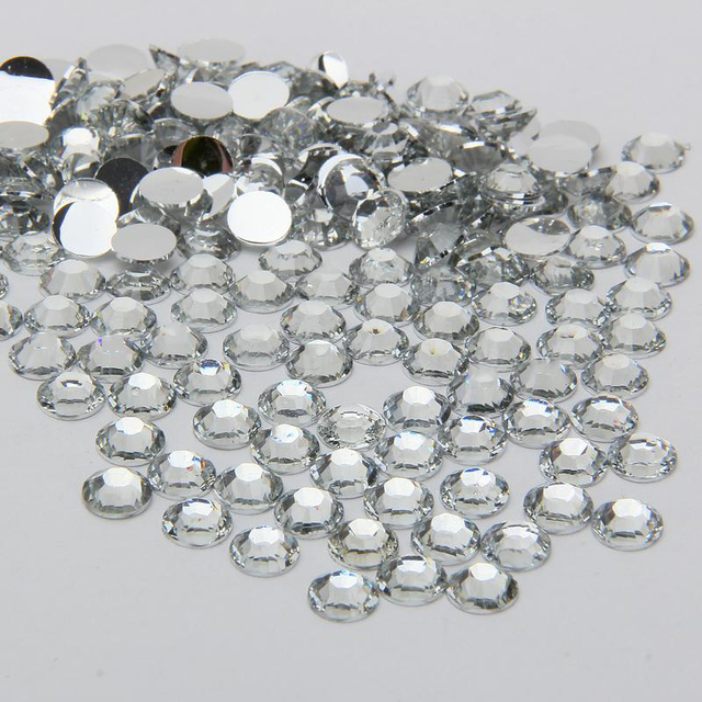 1000PCS ss30 6mm Nail Design Crystal White Resin Round Flatback Rhinestones  14 Facets DIY Nail Art Decoration Beads N01 f4e0e7b24b59