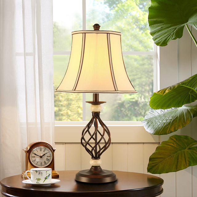 US $125.0  Stile americano lampada da tavolo camera da letto comodino  originalità accogliente camera da letto scrivania stile Europeo retro  LO7134 in ...