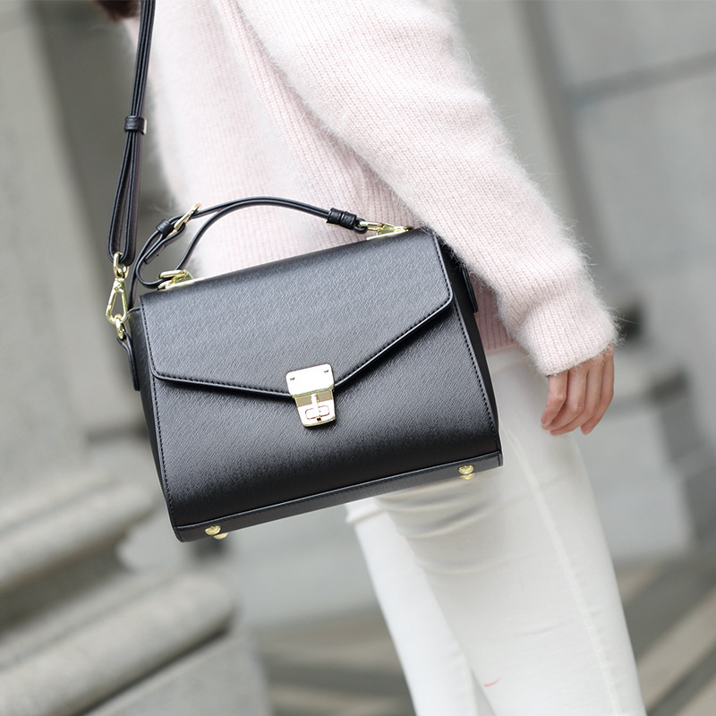 2018 NEW OBLIQUE SATCHEL PU FEMALE PACKAGE SQUARE BAG KOREAN VERSION HANDBAG FASHION SINGLE SHOULDER BAG SATCHEL BAG WOMEN PURSE 2018 new female korean version of the bag with a small square package side buckle shoulder messenger bag packet tide