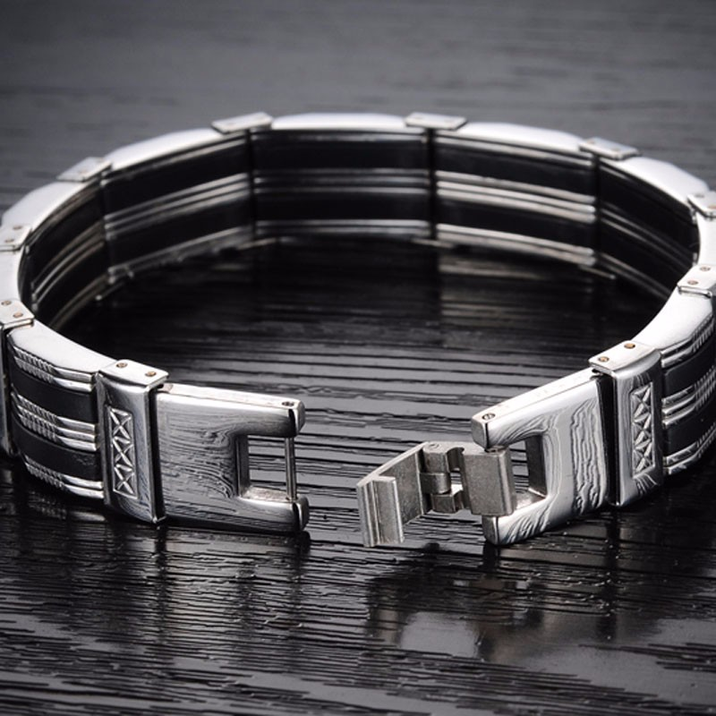 detailed-titanium-black-and-silver-mens-bracelet-5