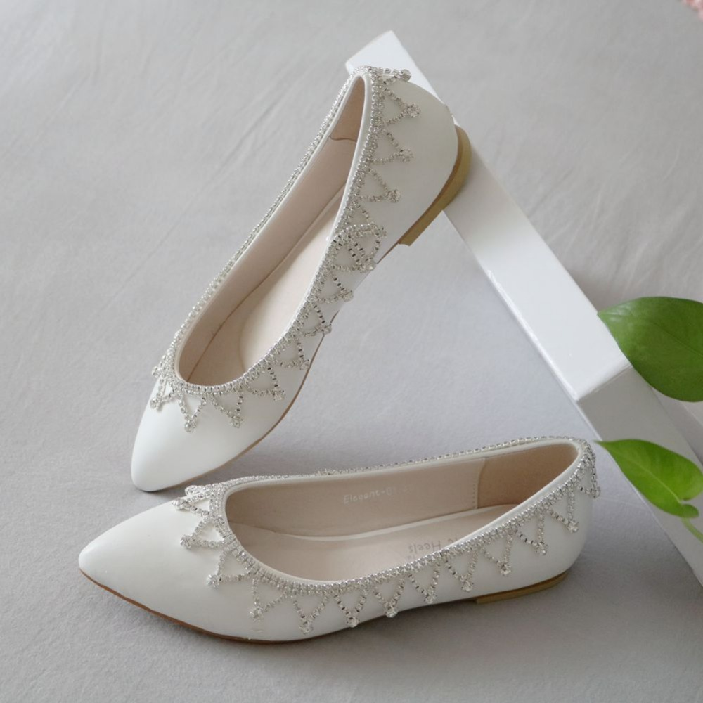 White Rhinestone Flats is necessary in our daily life. If you still do not have one or want to replace your old one, please buy it from LightInTheBox, the leading online store from China.