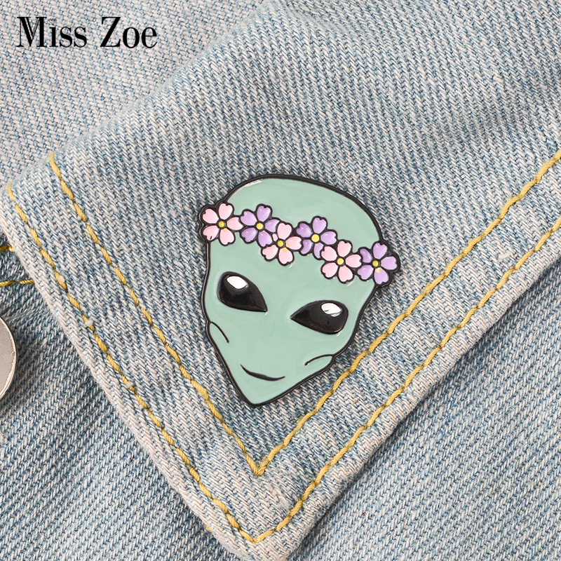 1pc Cute Telescope Universe Metal Badge Brooch Button Pins Denim Jacket Pin Jewelry Decoration Badge For Clothes Lapel Pins Selected Material Badges Home & Garden