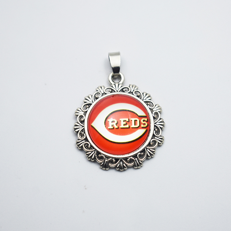 Charm Fewelry Baseball Cincinnati Reds Alloy Glass Pendant Charms DIY For Necklace&Bracelet/ Earring Sport Jewelry