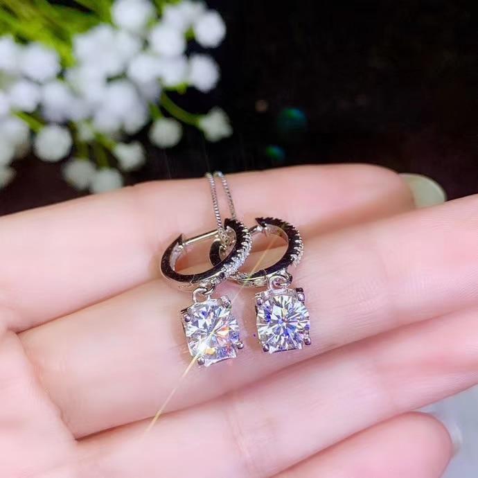 Boucle d'oreille pendante de pierre gemme de moissanite avec la promotion de pendentif