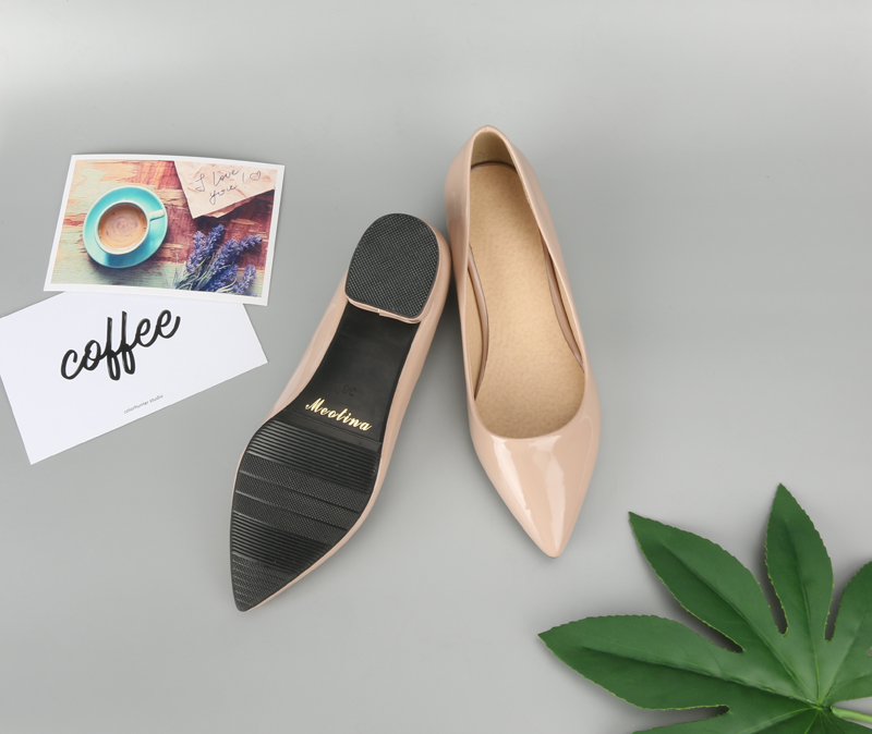pumps pointed toe