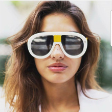 SOLO TU Fashion Integrated Oversized Sun Glasses Brand Designer Luxury Women Ladies Personality Cosy Shades Sunglasses Oculos