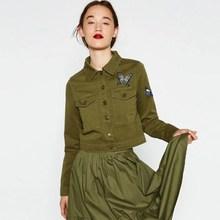 5a690e4d194 Avrupa Yeni Sonbahar Kadın Kısa Bombacı Ceket Nakış Kelebek Rahat Askeri  Giyim Ordu GreenJaqueta Feminina YC457