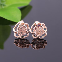 Rose Hollow Crystal Stud Earrings Women Fashion Sales Mujer Pendientes New Fashion Lady's Stud Earrings
