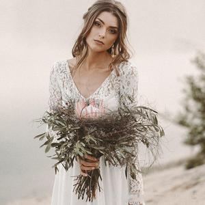 Image 5 - Lange Mouwen Strand Trouwjurken Ruglooze Bridal Dress Chiffon en Kant V hals Vestidos De Novia Strand Custom Made Ivoor Wit