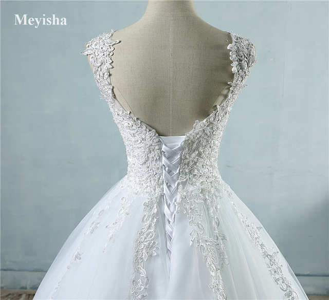 ZJ9076 Ball Gowns Spaghetti Straps White Ivory Tulle Wedding Dresses 2019 with Pearls Bridal Dress Marriage Customer Made Size 6