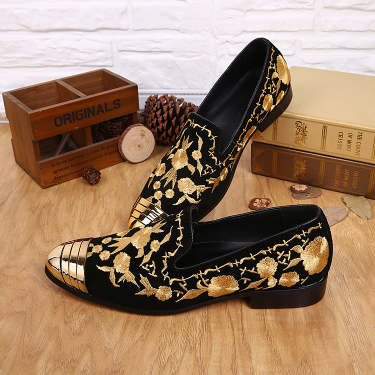 New Fashion Spring Hot Flat Embroidered Men Shoes British Style Embroidery Gold Black Mental  Toe Casual Dress shoes Mens  2017