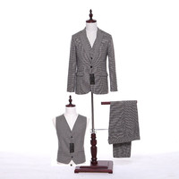 New Design Mens Classic Suits Light Gray Plaid Fabrics Mens Suits Wedding Groom Formal Wear Groomsmen