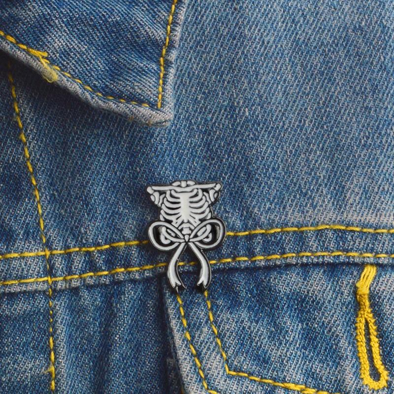 Organ Ribcage Brooch Sternum Ribbon Enamel Pin Badges Halloween Pin Buckle Hat Shirt Collar Lapel Pin Jewelry Gifts for Girl Boy