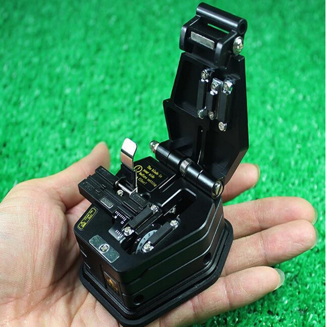 High Precision SKL-6C Optical Fiber Cleaver Fiber Optic Cutter Comparable to INNO Fiber Cleaver