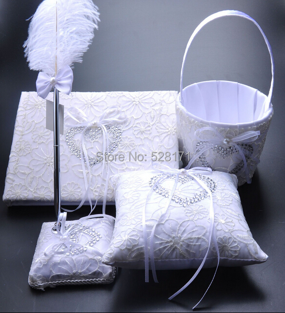 Ensembles d'oreiller de bague de mariage de couleur blanche de décoration de mariage élégante populaire et panier de fille de fleur et ensemble de stylo et fournitures de livres d'invité