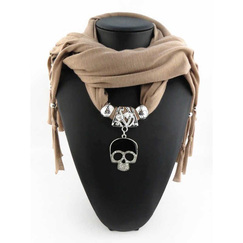 2018 nuevo diseño aleación calavera colgante joyería bufanda Collar para mujer moda lujo marca colgante collar bufanda bufandas stock