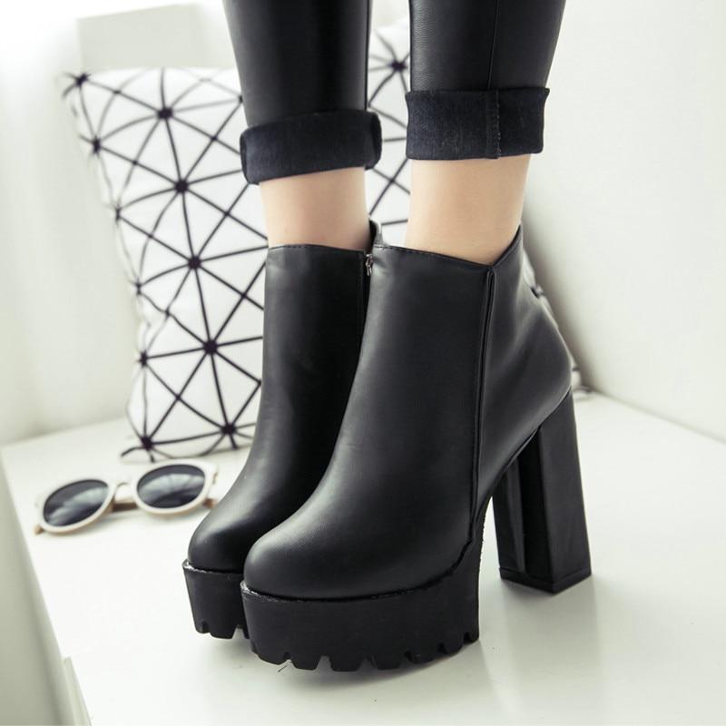 Mujeres Botas de Invierno Negro Plataforma Lace Up Grueso Zapatos de  Tacones Altos de Punk Botines Botines Envío Gratis en Botines de Zapatos en  ... 380d0d0cc2159