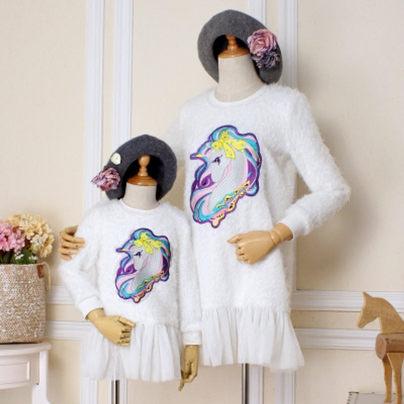 2018 Children clothes women girl family Look matching mother daughter mom baby lady Lovely pony embroidery sweater furry dresses 2017 autumn winter cotton long sleeves girl mom women children sweater family look matching clothes mother and daughter sweaters
