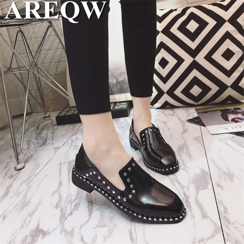 2017 spring new European and American flat single shoes female shallow mouth square fashion four seasons shoes with women's shoe 2017 the new european american fashion horn bow pointed mouth shallow comfortable flat sheet metal red shoes tide size 35 41