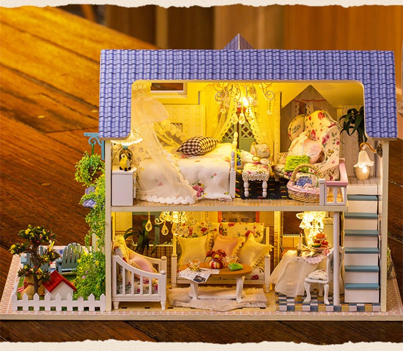 ФОТО Mini Hoomeda Wooden Miniatura DIY Handcraft Dollhouse Kit Victoria Cottage With LED Light Birthday Gift For Children Girls