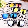 Unisex de moda cuadrado Vintage gafas de sol hombres mujeres remaches de Metal diseño Retro gafas de sol