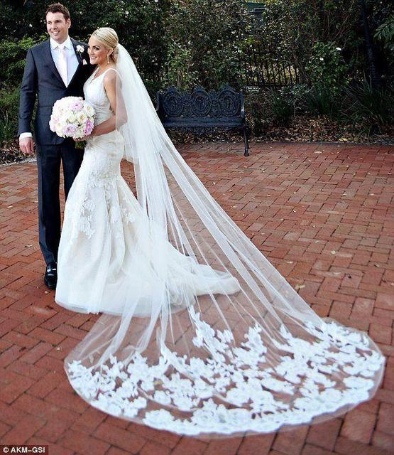 2016 Cathedral Bridal Veils Blusher Wedding Veils 2 Tiers Lace 3m Long With Comb White/Ivory Bridal Wedding Veil Custom Made