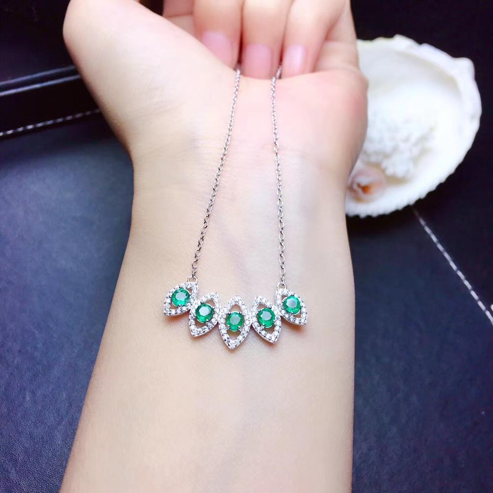 Emerald gemstone collarbone necklace for women with silver chainEmerald gemstone collarbone necklace for women with silver chain
