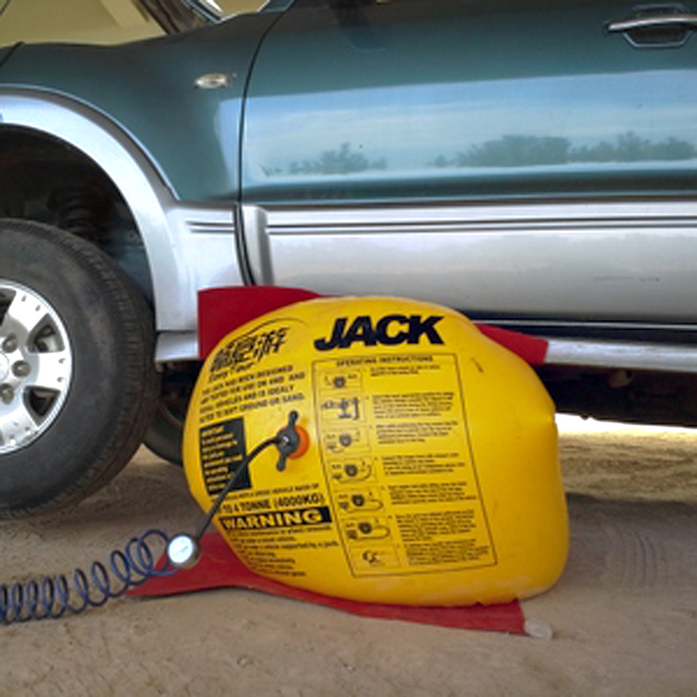 Cheong Tour Car Hydraulic Jack With Thick Airbag Inflator 4 T Buggy Rescue Equipment