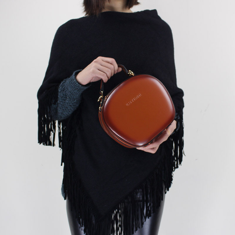 BENVICHED Ladies Cattle leather Round bag 2019 new fashion women Pure color handbag single shoulder bag mini retro bag c380BENVICHED Ladies Cattle leather Round bag 2019 new fashion women Pure color handbag single shoulder bag mini retro bag c380
