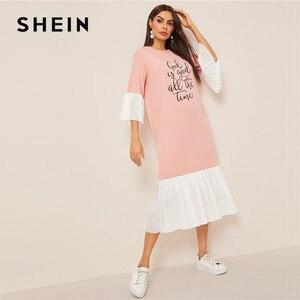 Image 4 - Shein slogan impressão plissado plissado hijab vestido de verão feminino casual solto flounce manga midi vestido rosa meia manga vestido longo