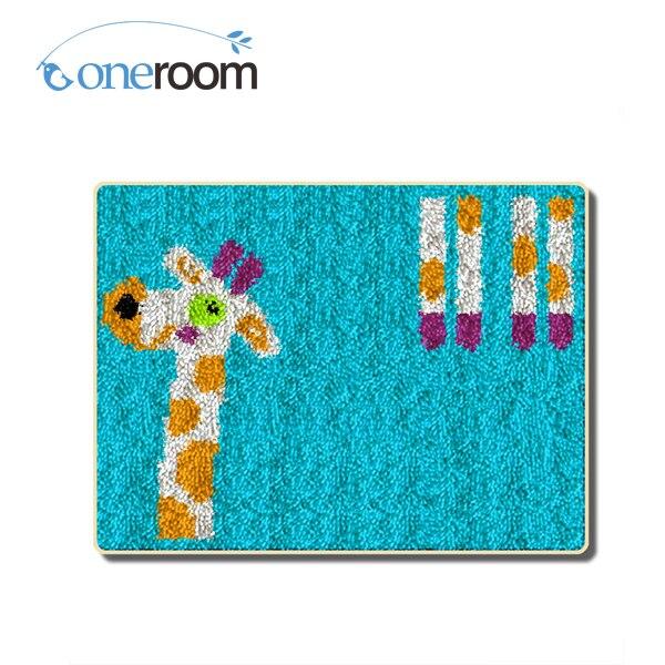 Oneroom ZD488 Giraffe In Blue Hook Rug Kit DIY Unfinished