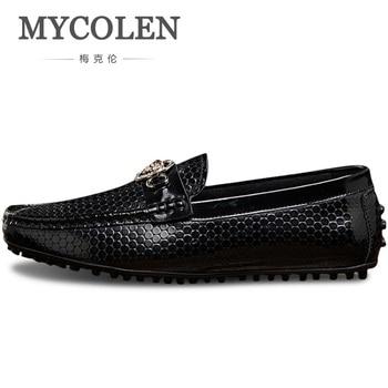 Mycolen男性黒靴でゴールドメタル英国スタイルレジャー男ローファー豪華な男性ドレスシューズ男性chaussuresオム