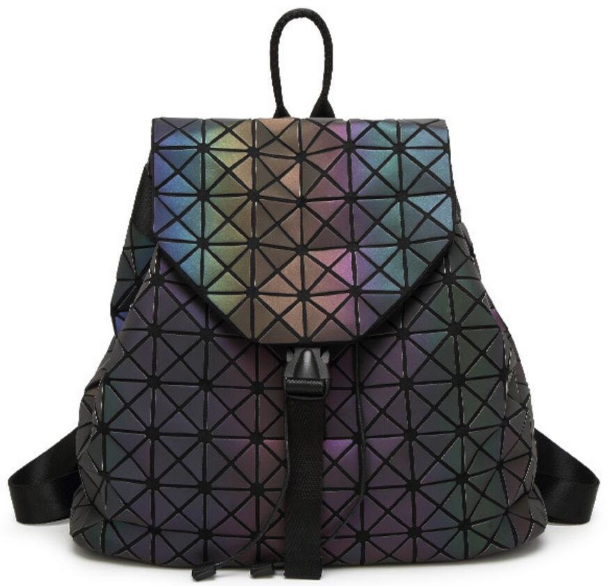 Women Backpack Geometric Plaid Sequin Female School Backpacks For Teenage Girls PU Leather Bagpack Holographic Women Backpack women backpack mochila geometric plaid sequin female backpacks for teenage girls bagpack drawstring bag holographic bag pack