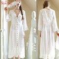 Sexy Largo Blanco Camisón Camisón de Encaje Francés Vestido de La Princesa de La Vendimia Medieval Palacio Frech Robe Hermosa Vestidos de la camisa de Dormir