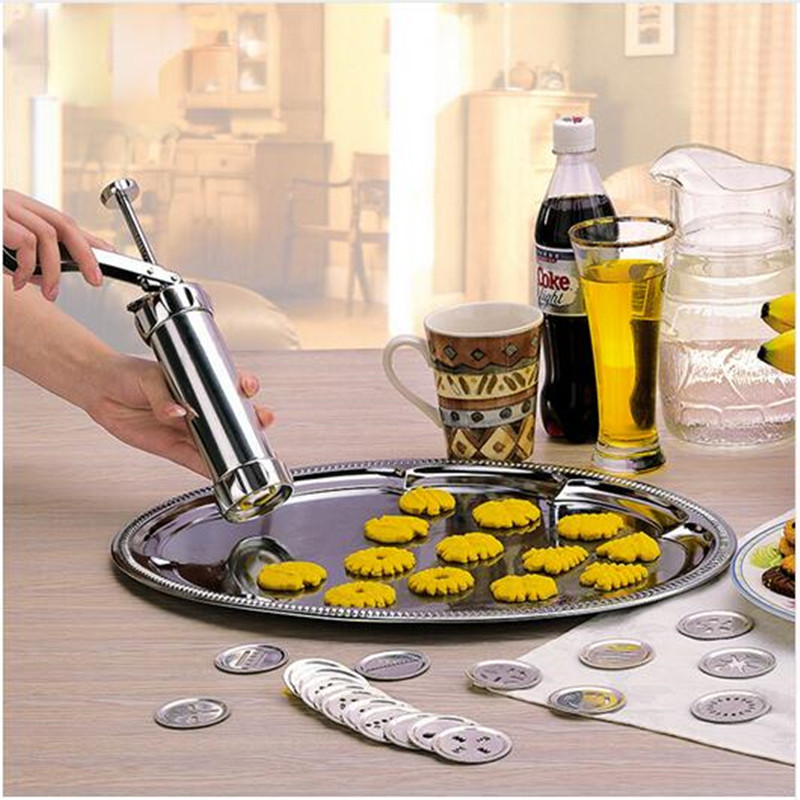 Baking Mold Extrusion Machine Decorating Cookies Cake Press Cream Gun 4 Press Molds & 20Pastry Piping Nozzles Cookie Tool Maker