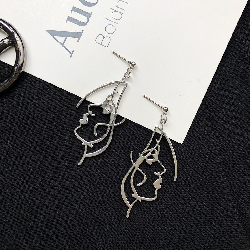 Punk Human Face Drop Earrings For Women Retro Abstract Hollow out Statement Hand Metal Fashion Dangle