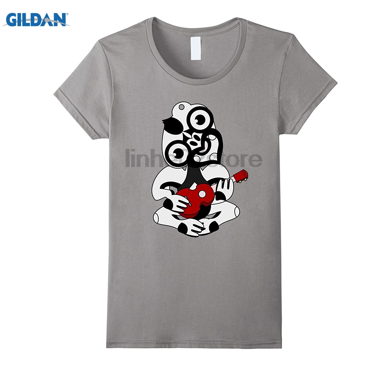 GILDAN Hei Tiki Playing A Ukulele    T-shirt