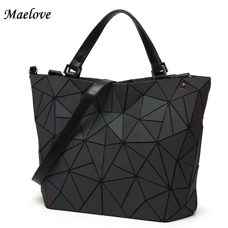 Drop Shipping Luminous Bag women's geometry lattic totes bag High Quilted Chain Shoulder Bags Laser Plain Folding Handbags
