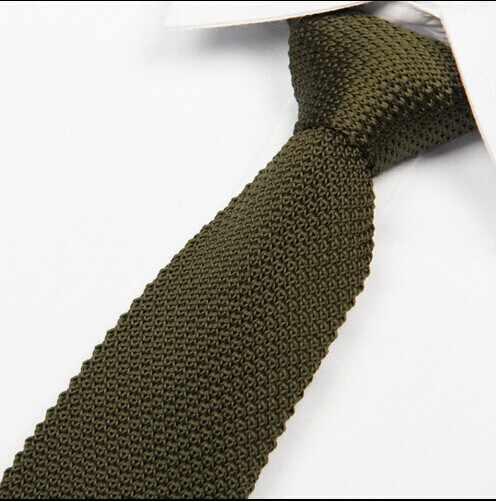 ร้อนกองทัพสีเขียวถักผูก5.5เซนติเมตรสบายๆบางแคบผูกสำหรับผู้ชายสุภาพบุรุษไทแฟชั่นใหม่จำนวนมาก