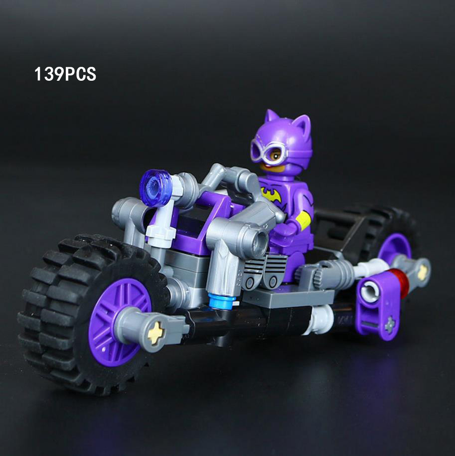 DC comics super heroes batman movie catwoman catcycle chase block Batgirl Robin figures motorcycle bricks 70902 toys for kids loz dc comics super heroes mini diamond building block batman