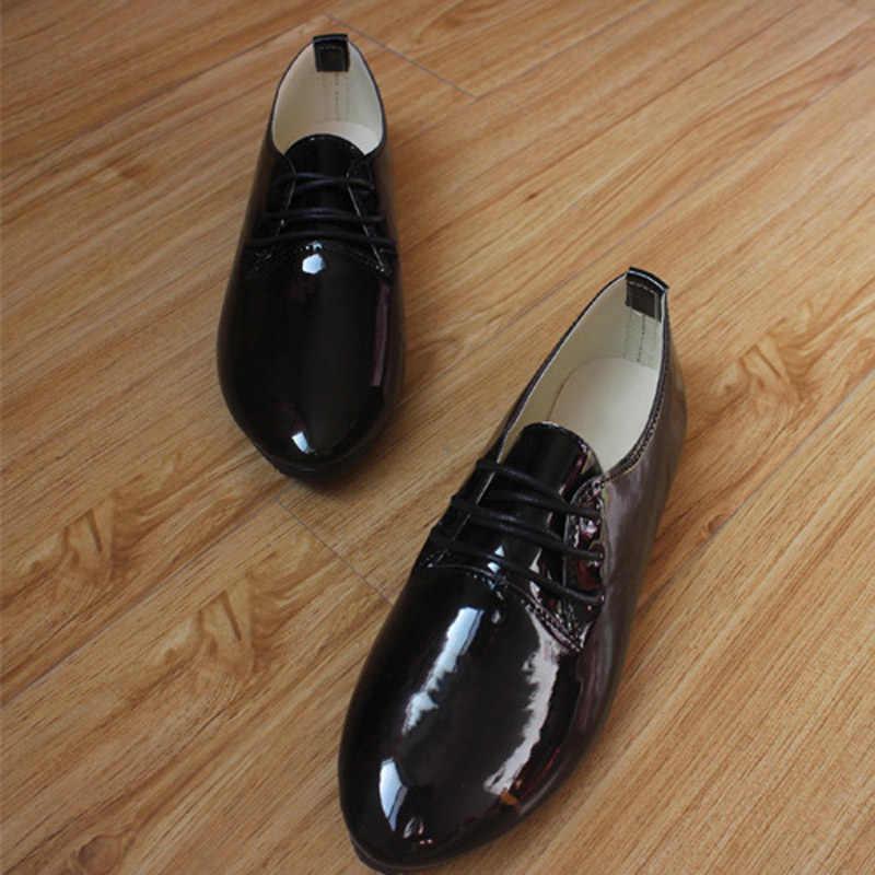 Tangnest Rode Oxfords Schoenen Vrouw Platform Loafers Lace-Up Flats Mode Brogue Schoenen Patent PU Leer Vrouwen Klimplanten XWD4049