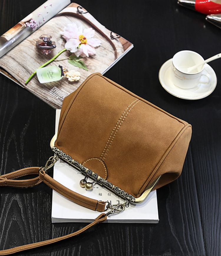 Women Shabby Chic  Shoulder Bag Lady Handmade Vintage Retro Chic Victorian Style Wedding Kiss Lock Handbag Bag (29)