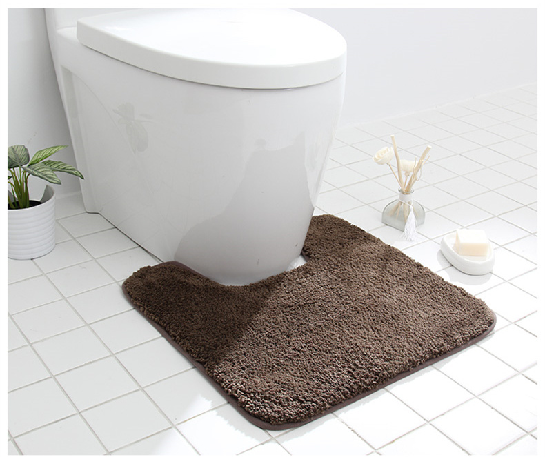 Kaheosaline komplekt kvaliteetsetest vannitoa vaipadest