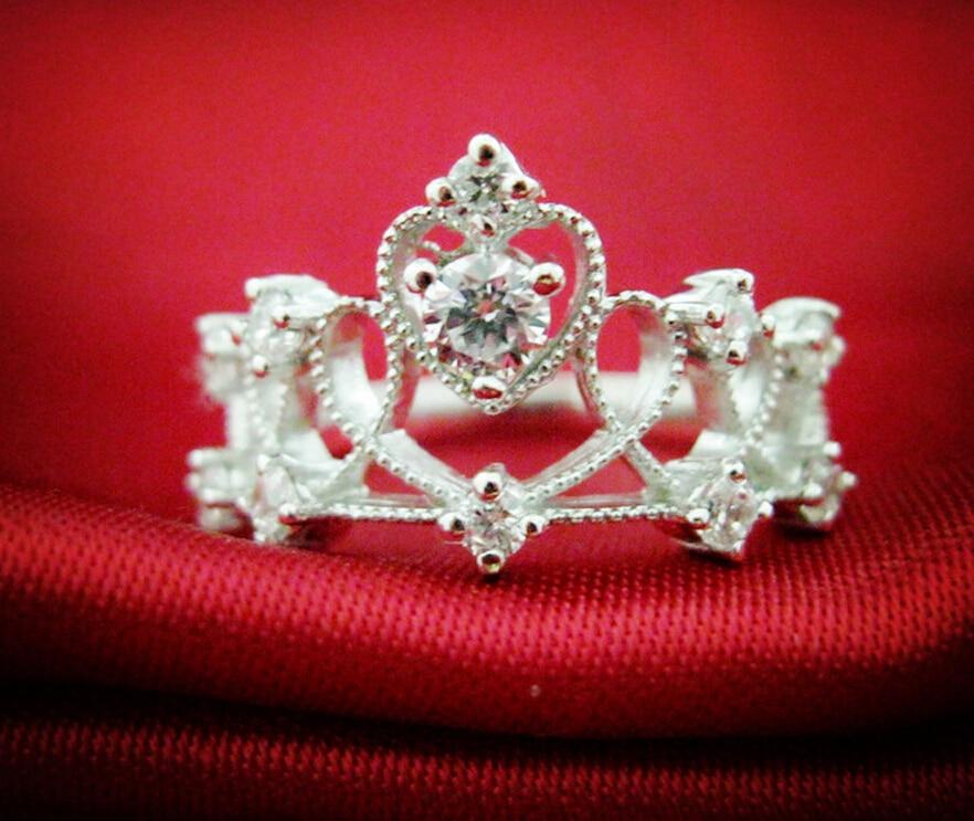 Здесь продается  0.1 carat SONA synthetic diamond fashion ring 925 sterling silver crown ring engagement wedding ring  (DFE)  Ювелирные изделия и часы