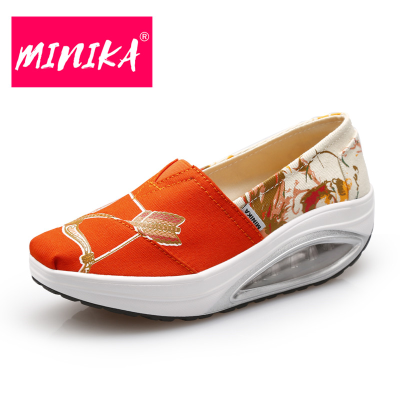 MINIKA High Quality Women Casual Shoes 2017 Hot Sale Round Toe Slip On Women Casual Shoes Fashion Printing Flat Shoes Women 2017 shoes women med heels tassel slip on women pumps solid round toe high quality loafers preppy style lady casual shoes 17